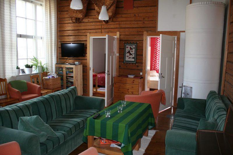 Majatalo Pihlajapuun yhteinen olohuone
