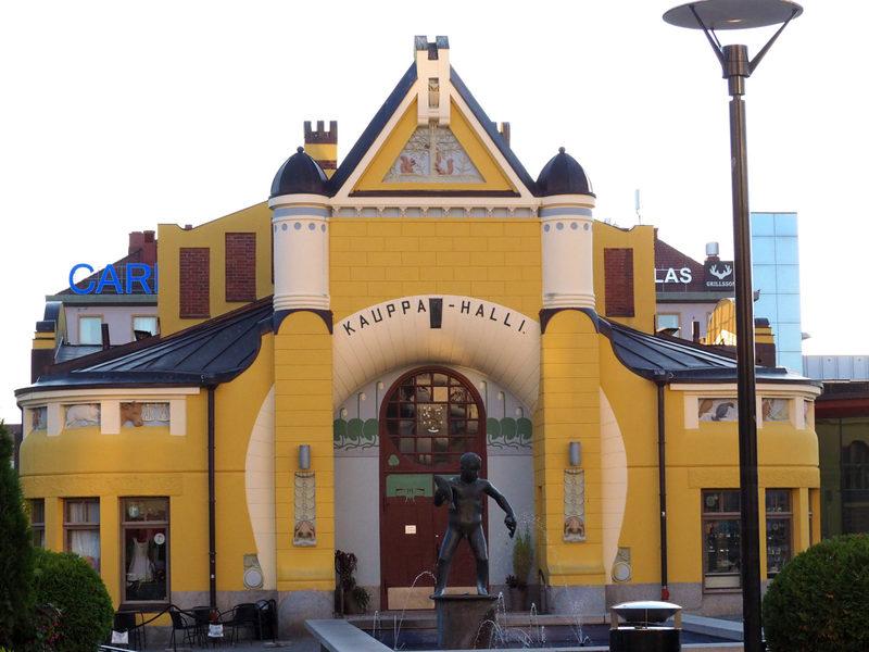 Kuopion kauppahalli - Muhkea kauppahalli on vierailukohteena ruokakävelyllä Kuopiossa