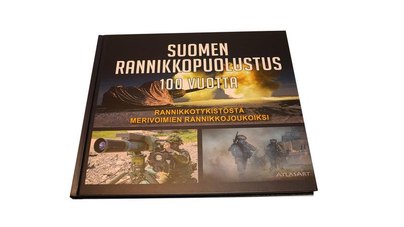 Suomen rannikkopuolustus 100 vuotta. Rannikkotykistöstä merivoimien rannikkojoukoiksi.
