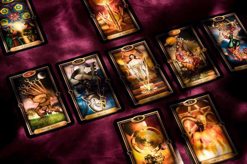 Rakkaus tulkinta tarot-korteilla
