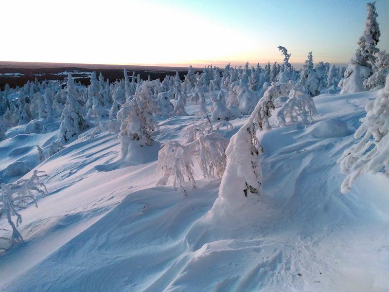 Kauniit lumiset maisemat odottavat retkeläisiä