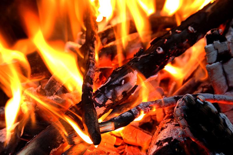 Taikapolku kesäyön makujen äärellä - Kauhanevan maut voivat löytyä eväsrepusta tai nuotion ääreltä - jokainen retki tarjoaa omat erikoisuutensa.