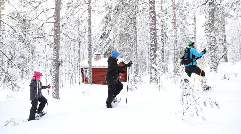 Taikapolku lumikenkäretki Lauhanvuoren rinteillä - Lauhanvuoren kansallispuisto tarjoaa vaihtelevat mahdollisuudet talvisiin lumikenkäretkiin Taikapolun johdolla.