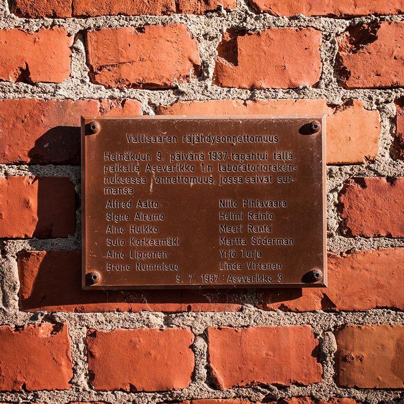 Kuolemanlaakson muistolaatta - Kuva: MH / JP Ronkainen