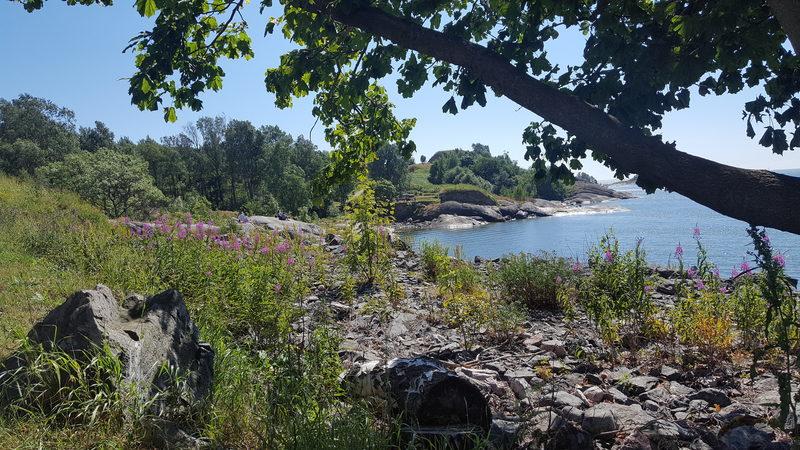 Kustaanmiekan kalliot - Kuva MH