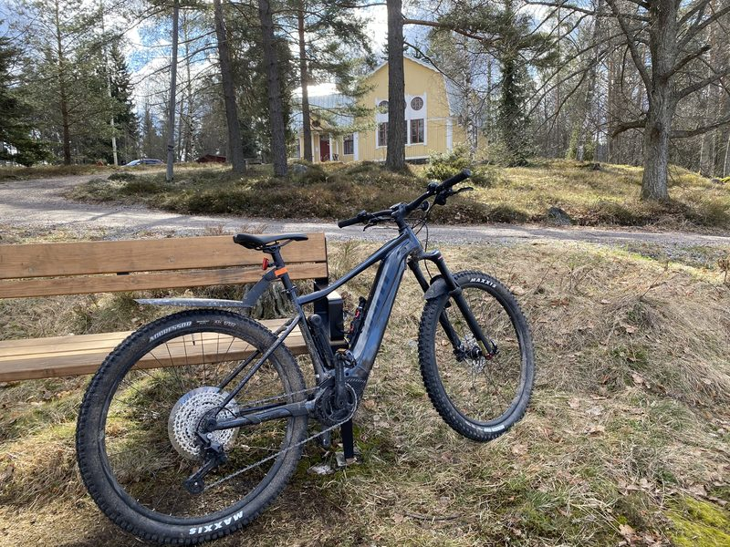 Sähkömaastopyörä Lauri, koko M