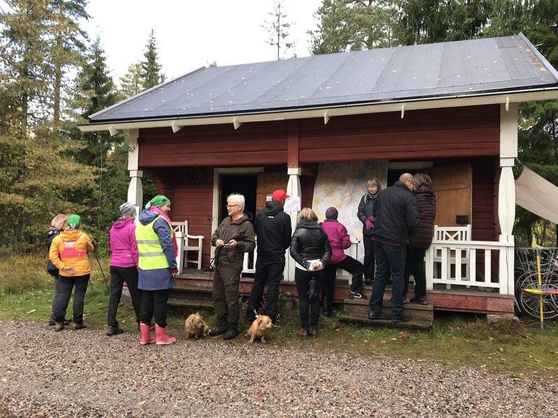 Seitsemän veljeksen reitin avajaiset - Seitsemän veljeksen vaellusreitin Tuusulan osuus avattiin syksyllä 2019.