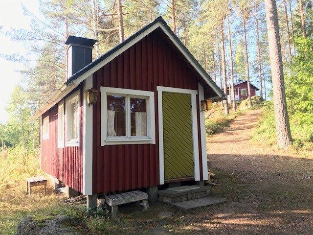 Rantasauna - Vanha hirsinen suola-aitta remontoitu saunaksi josta saa mitä pehmeimmät löylyt.