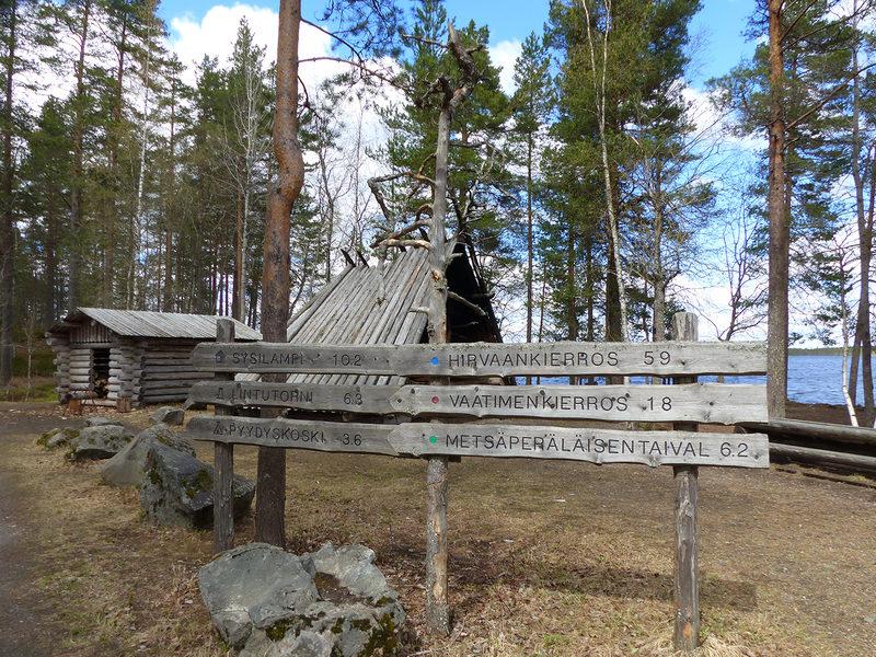 Retkibussin reitillä, Salamajärven kansallispuisto