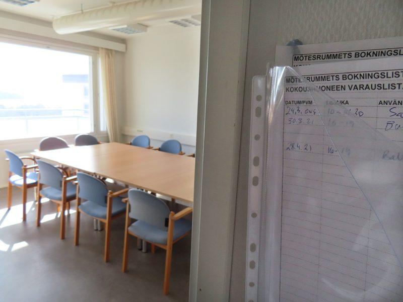 11 hengen kokoustila upealla merinäköalalla varataan paikanpäällä