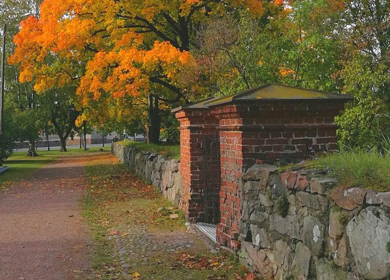 Iltapäiväkävely Porin Vanhalla hautausmaalla