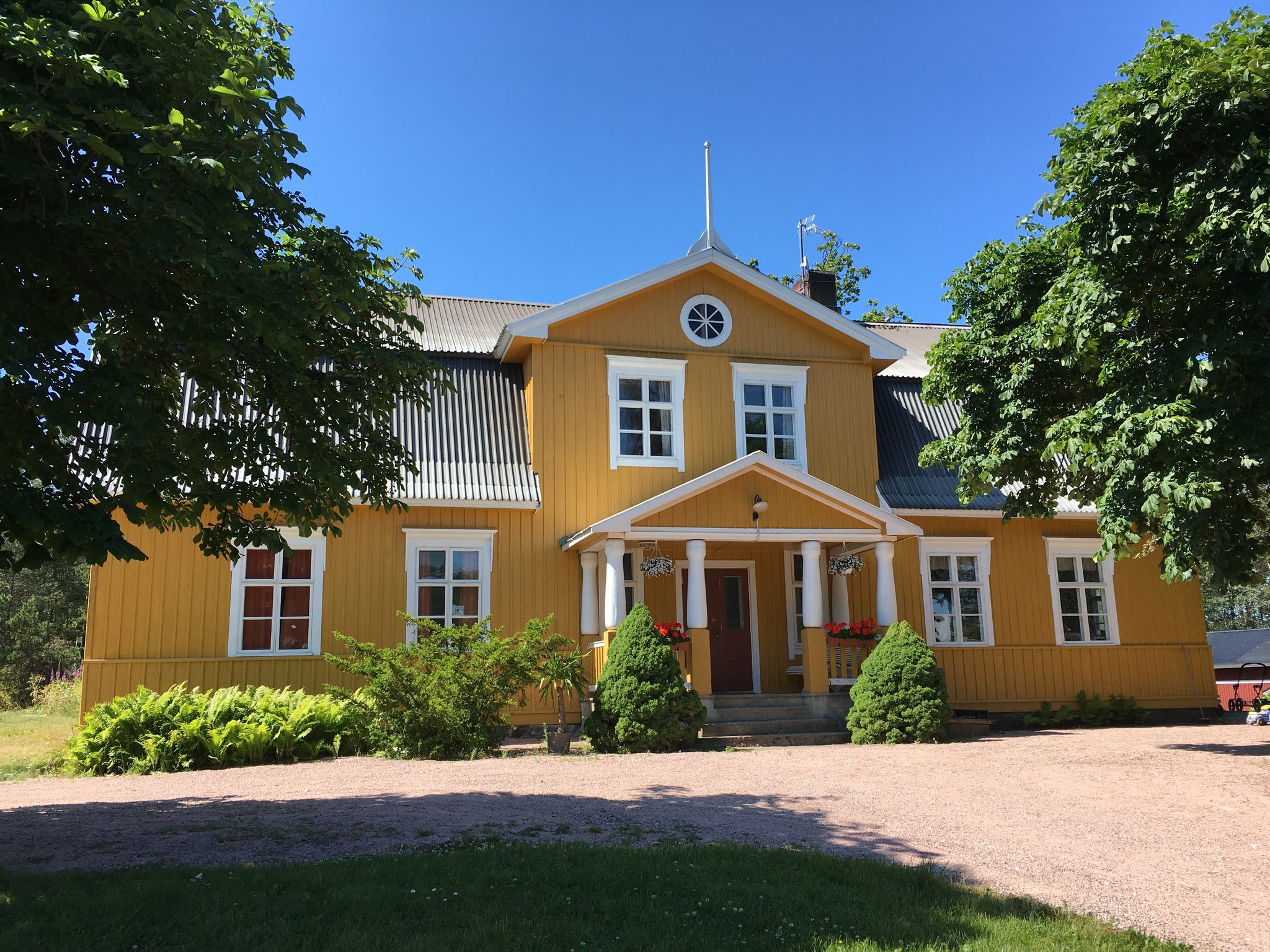 Vestlax Mellangård